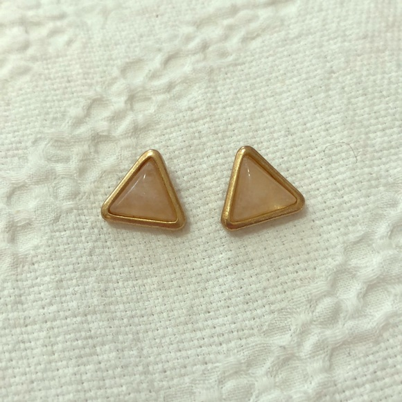 Jewelry - Pink stone triangle earrings